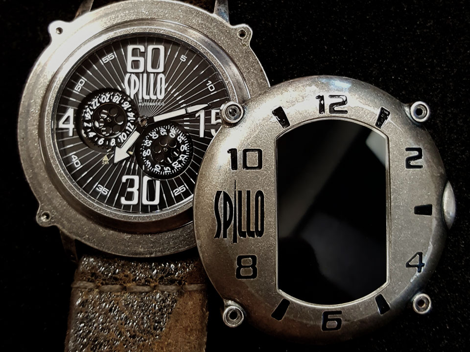 スピーロの腕時計