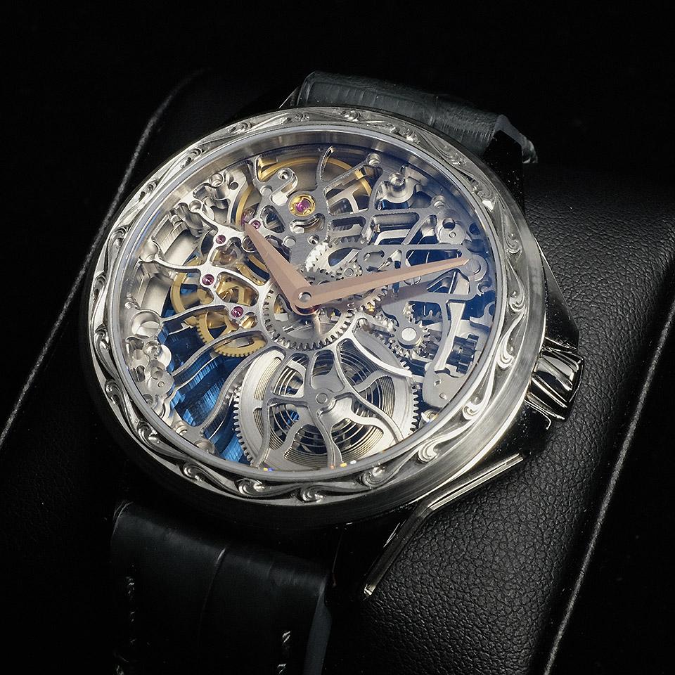 ArtyAのスケルトン腕時計